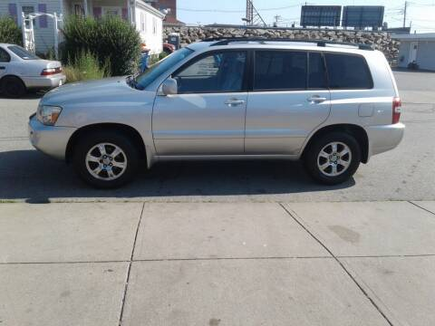 2005 Toyota Highlander for sale at Nelsons Auto Specialists in New Bedford MA
