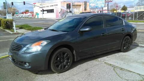 2009 Nissan Altima for sale at Larry's Auto Sales Inc. in Fresno CA