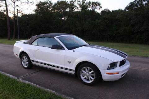 2009 Ford Mustang for sale at Clear Lake Auto World in League City TX