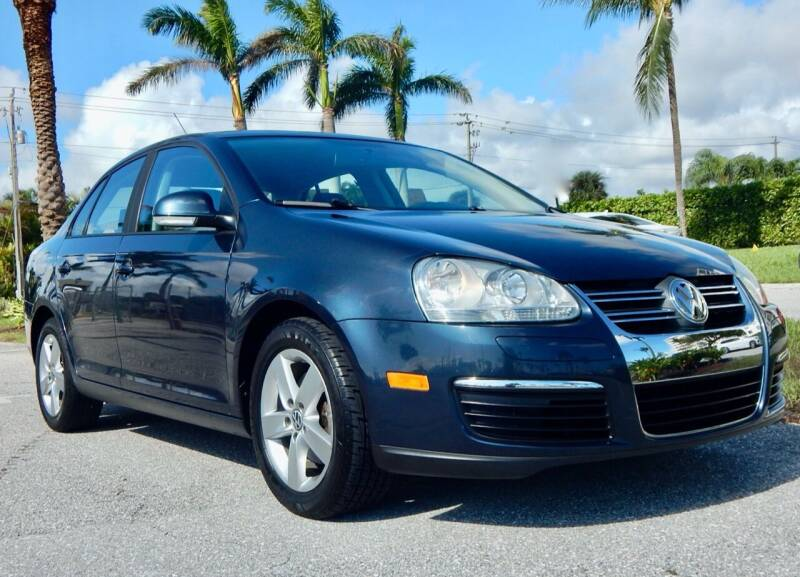 2010 Volkswagen Jetta for sale at VE Auto Gallery LLC in Lake Park FL