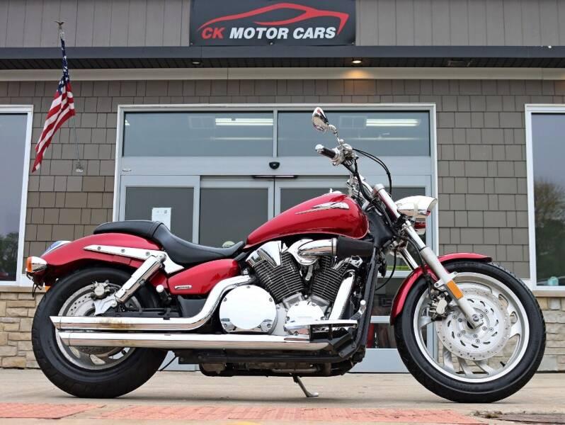 2005 Honda VTX for sale at CK MOTOR CARS in Elgin IL