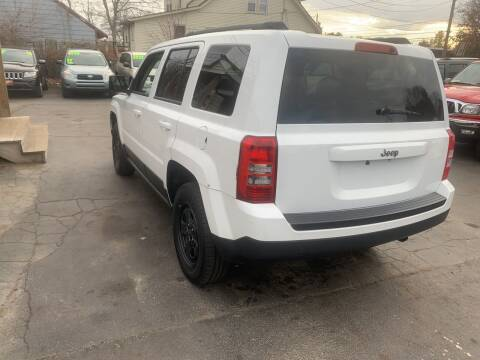 2013 Jeep Patriot for sale at Irving Auto Sales in Whitman MA
