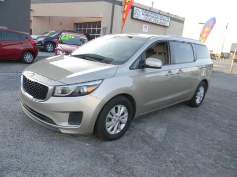 2015 Kia Sedona for sale at Meridian Auto Sales in San Antonio TX