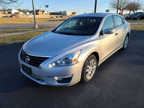 2015 Nissan Altima for sale at Auto Hub in Grandview MO