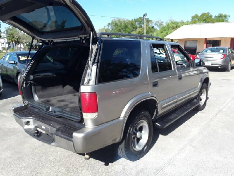 2000 Chevrolet Blazer for sale at FAMILY AUTO BROKERS in Longwood FL