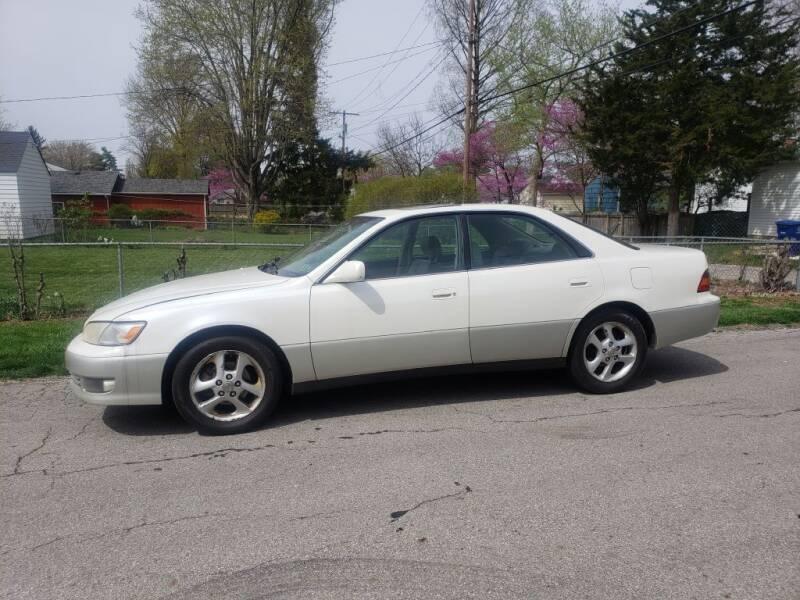 2000 Lexus ES 300 for sale at REM Motors in Columbus OH