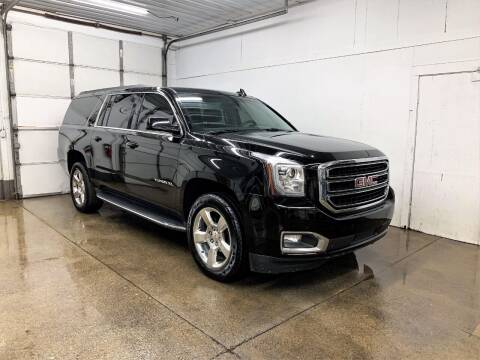 2017 GMC Yukon XL for sale at PARKWAY AUTO in Hudsonville MI