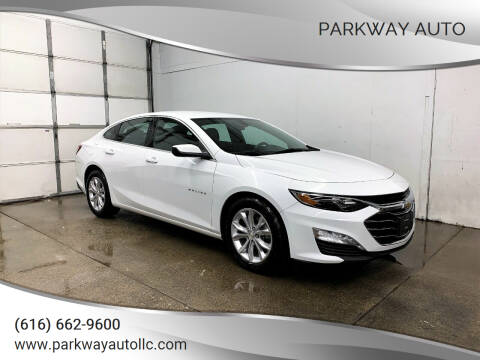 2019 Chevrolet Malibu for sale at PARKWAY AUTO in Hudsonville MI