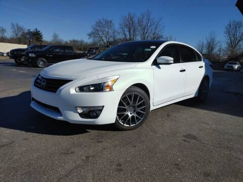 2014 Nissan Altima for sale at Cruisin' Auto Sales in Madison IN