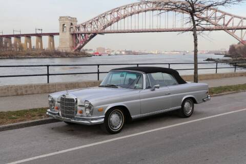 1969 Mercedes-Benz 280-Class for sale at Gullwing Motor Cars Inc in Astoria NY