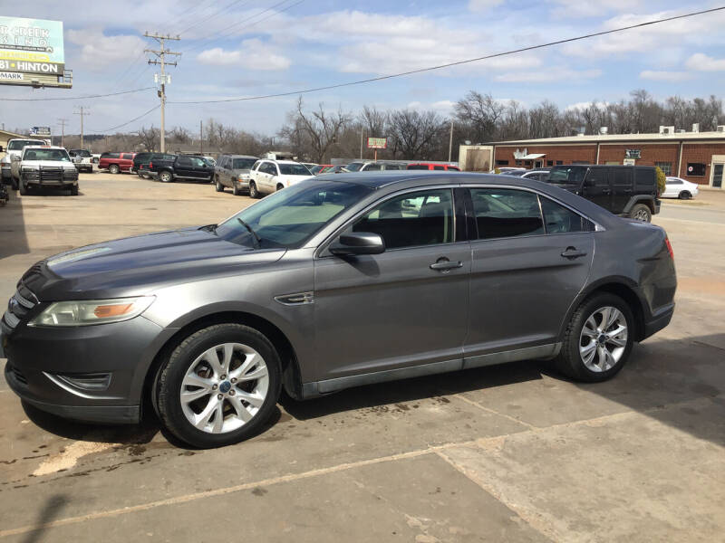 2011 Ford Taurus for sale at 4 B CAR CORNER in Anadarko OK