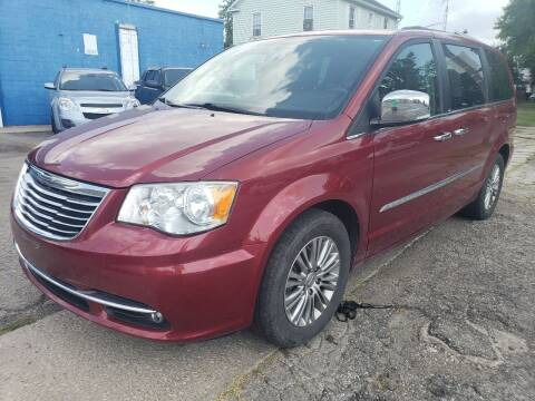 2013 Chrysler Town and Country for sale at M & C Auto Sales in Toledo OH