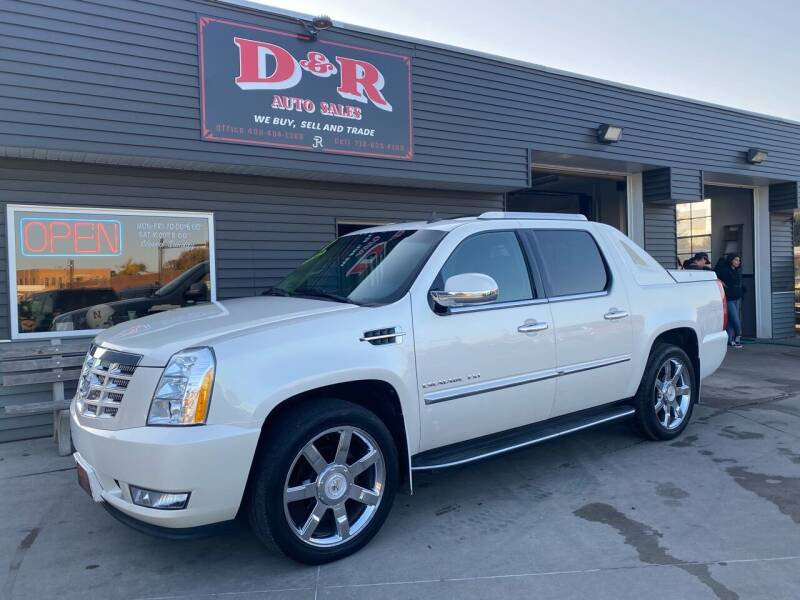 2011 Cadillac Escalade EXT for sale at D & R Auto Sales in South Sioux City NE