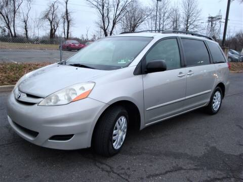 2007 Toyota Sienna for sale at Cars Trader in Brooklyn NY