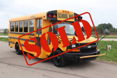 2010 Chevrolet Express Cutaway for sale at Signature Truck Center in Crystal Lake IL