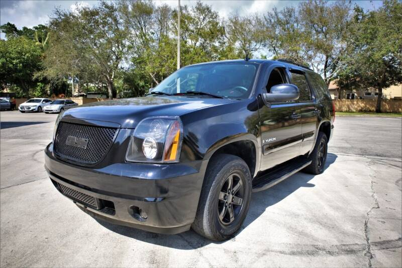 2007 GMC Yukon for sale at Easy Deal Auto Brokers in Hollywood FL