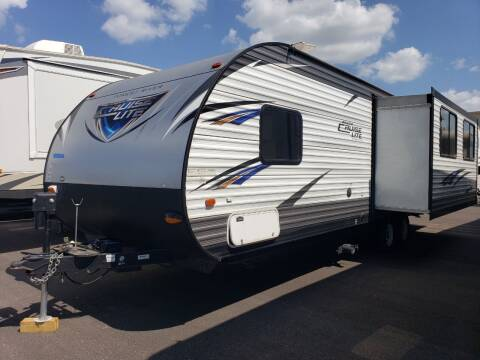 2017 Forest River cruiser lite 254RLXL for sale at Ultimate RV in White Settlement TX