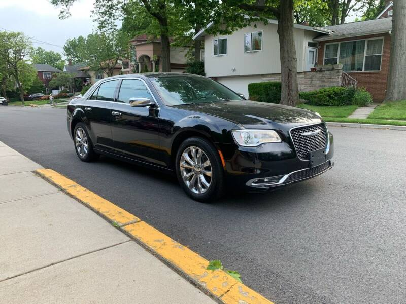 2018 Chrysler 300 for sale at Eastclusive Motors LLC in Hasbrouck Heights NJ