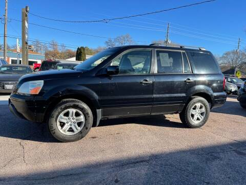 2005 Honda Pilot for sale at RIVERSIDE AUTO SALES in Sioux City IA