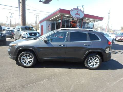 2016 Jeep Cherokee for sale at The Carriage Company in Lancaster OH