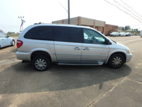 2005 Chrysler Town and Country for sale at BLACKWELL MOTORS INC in Farmington MO