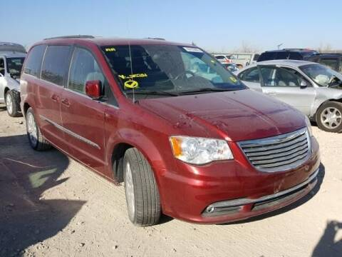 2014 Chrysler Town and Country for sale at Varco Motors LLC - Builders in Denison KS