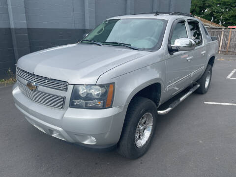 2011 Chevrolet Avalanche for sale at APX Auto Brokers in Lynnwood WA