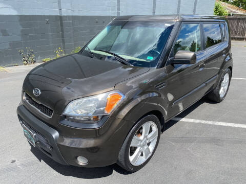 2010 Kia Soul for sale at APX Auto Brokers in Lynnwood WA