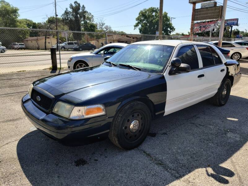 2010 Ford Crown Victoria for sale at Advance Import in Tampa FL