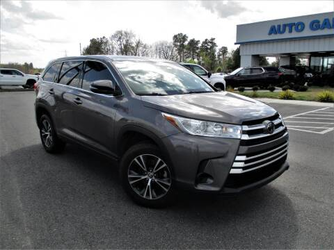 2018 Toyota Highlander for sale at Auto Gallery Chevrolet in Commerce GA
