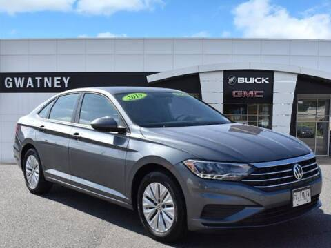 2019 Volkswagen Jetta for sale at DeAndre Sells Cars in North Little Rock AR