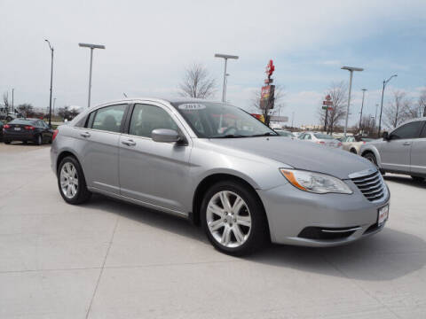 2013 Chrysler 200 for sale at SIMOTES MOTORS in Minooka IL