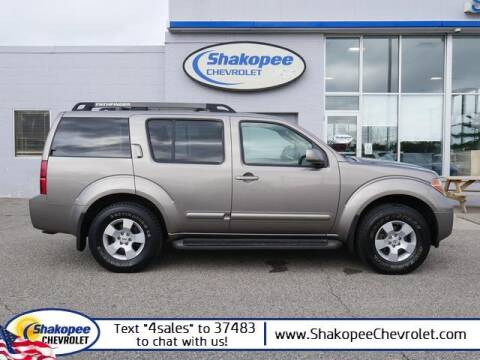2006 Nissan Pathfinder for sale at SHAKOPEE CHEVROLET in Shakopee MN