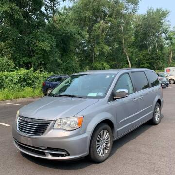 2014 Chrysler Town and Country for sale at CRS 1 LLC in Lakewood NJ