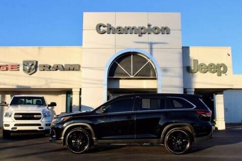 2019 Toyota Highlander for sale at Champion Chevrolet in Athens AL