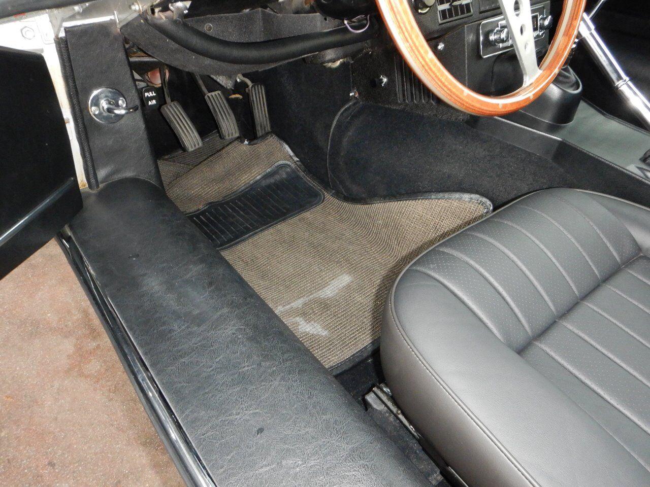 1973 Jaguar XKE 49