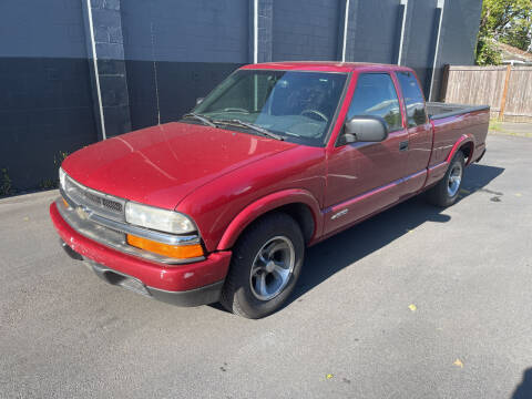 2003 Chevrolet S-10 for sale at APX Auto Brokers in Lynnwood WA
