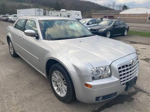 2010 Chrysler 300 for sale at DETAILZ USED CARS in Endicott NY
