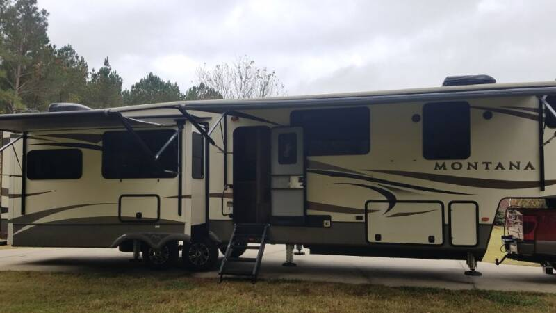 2018 Keystone MONTANA 3811M for sale at Dukes Automotive LLC in Lancaster SC