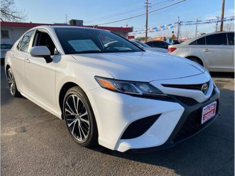 2019 Toyota Camry for sale at Dealers Choice Inc in Farmersville CA