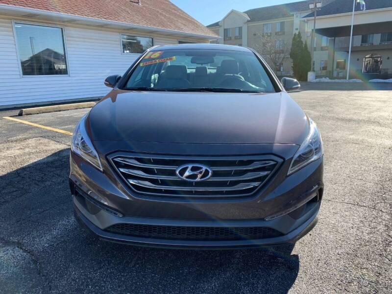 2016 Hyundai Sonata for sale at RED TAG MOTORS in Sycamore IL