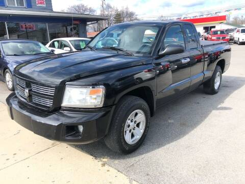 2010 Dodge Dakota for sale at Wise Investments Auto Sales in Sellersburg IN
