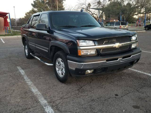2006 Chevrolet Avalanche for sale at Hotline 4 Auto in Tucson AZ