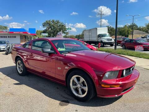 2006 Ford Mustang for sale at Cromax Automotive in Ann Arbor MI