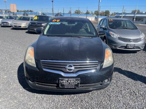 2009 Nissan Altima for sale at Velascos Used Car Sales in Hermiston OR