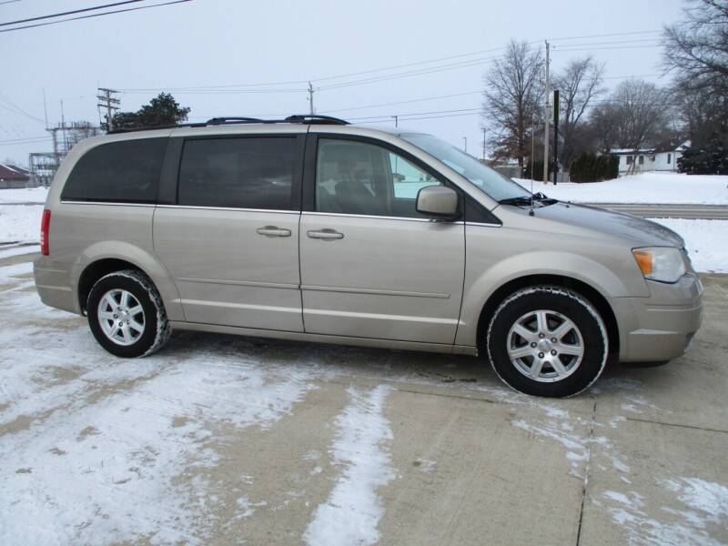 2008 Chrysler Town and Country for sale at Crossroads Used Cars Inc. in Tremont IL