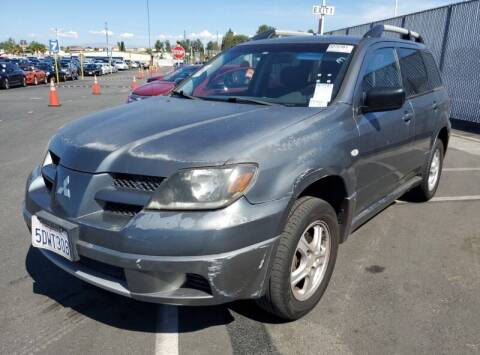 2004 Mitsubishi Outlander for sale at SoCal Auto Auction in Ontario CA
