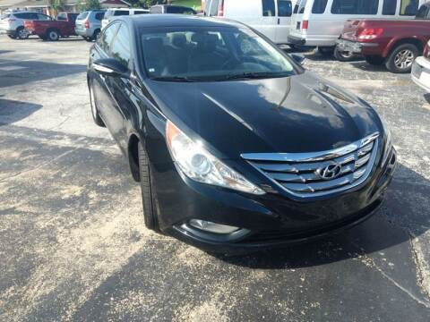 2011 Hyundai Sonata for sale at Autos by Tom in Largo FL