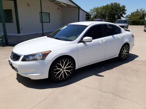 2009 Honda Accord for sale at Yates Brothers Motor Company in Fort Worth TX
