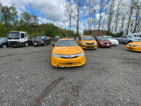 2013 Toyota Camry Hybrid for sale at BT Mobility LLC in Wrightstown NJ